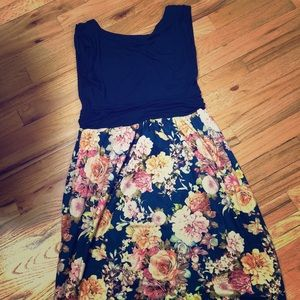 Gilli navy + floral dress NWOT
